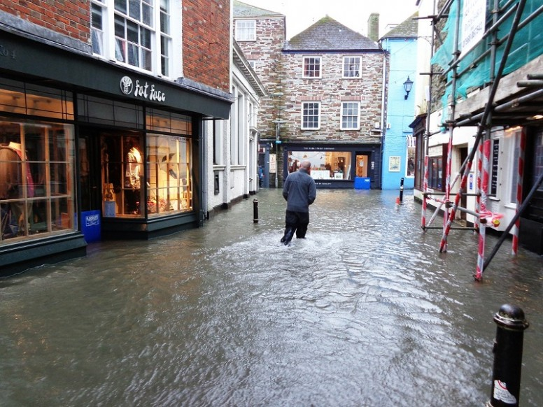 The 6th - 8th October 2006 - high tides and storm surge brings flooding to 17 Cornish localities