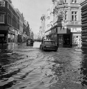 The flooded area in Whitefriargate, Kingston-upon-Hull, Yorkshire, where exceptional high tides created havoc for traffic and office workers in their way to work. The River Humber overflowed at the pier and many parked cars were surrounded by water. Picture by: PA/PA Archive/PA Images